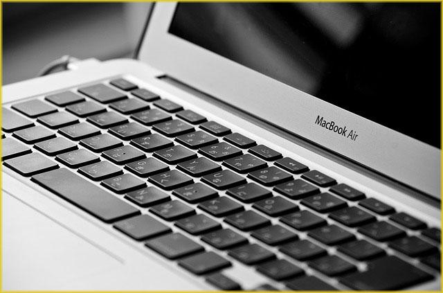 macbook-1001303_640